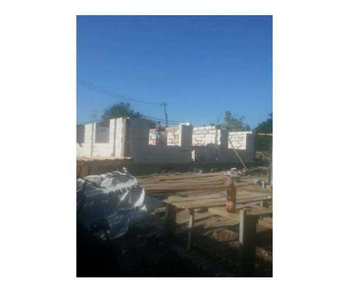 Casă în construcție